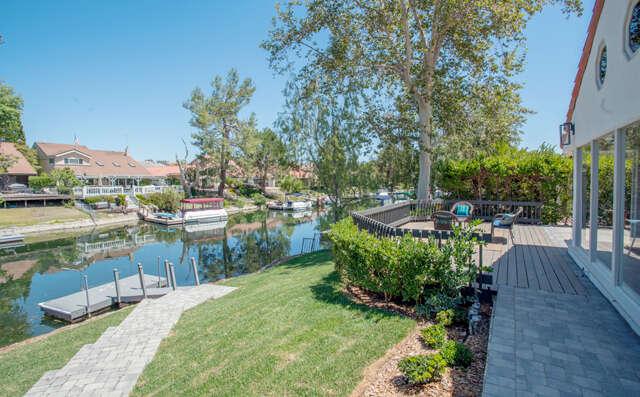Single Family for Sale at 3811 Bowsprit Cir Westlake Village, California 91361 United States