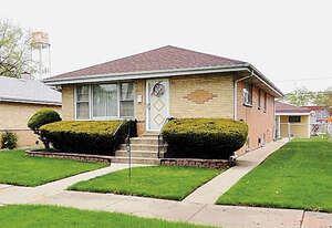 Featured Property in Bellwood, IL 60104