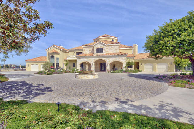 Single Family for Sale at 13475 Andalusia Dive Santa Rosa Valley, California 93012 United States
