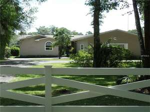 Featured Property in Astor, FL 32102