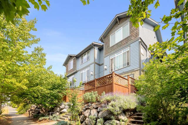Single Family for Sale at 2008 Yale Ave E #c Seattle, Washington 98102 United States