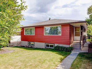 Featured Property in Calgary, AB T2K 0B1