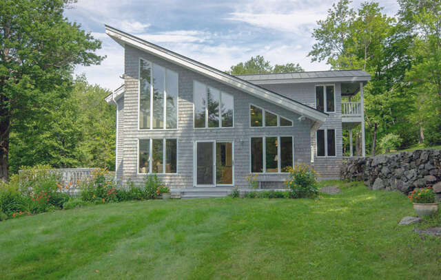 Single Family for Sale at 260 Purple Mountain Road Dummerston, Vermont 05301 United States