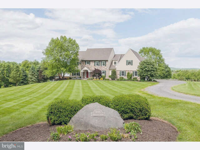 Single Family for Sale at 141 School Drive Kintnersville, Pennsylvania 18930 United States