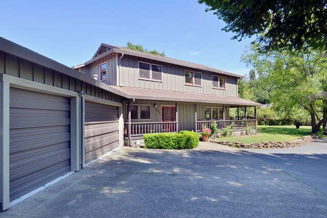 Single Family for Sale at 14845 Grove St Healdsburg, California 95448 United States