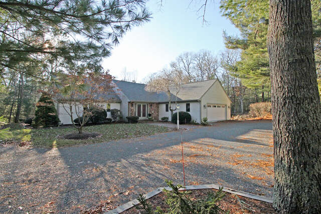 Single Family for Sale at 27 Winding Cove Marstons Mills, Massachusetts 02648 United States