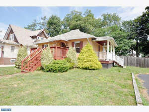 Single Family Home for Sale, ListingId:37599099, location: 103 S LENOLA RD Moorestown 08057