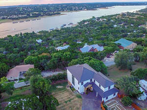 Featured Property in Spicewood, TX 78669