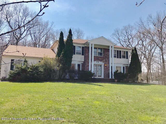 Single Family for Sale at 69 Apache Drive Manalapan, New Jersey 07726 United States