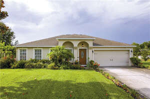 Featured Property in Eagle Lake, FL 33839