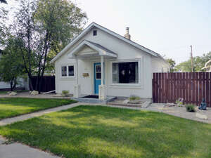 Featured Property in Moose Jaw, SK S6H 4Y5