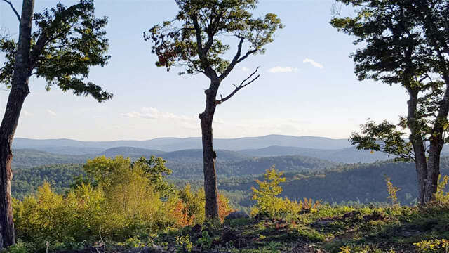 Featured Property in SUNAPEE, NH 03782