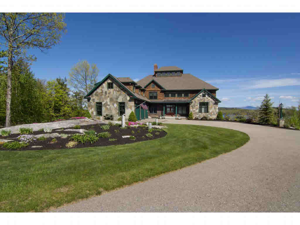 Single Family for Sale at 82 Timber Ridge Rd Alton, New Hampshire 03809 United States