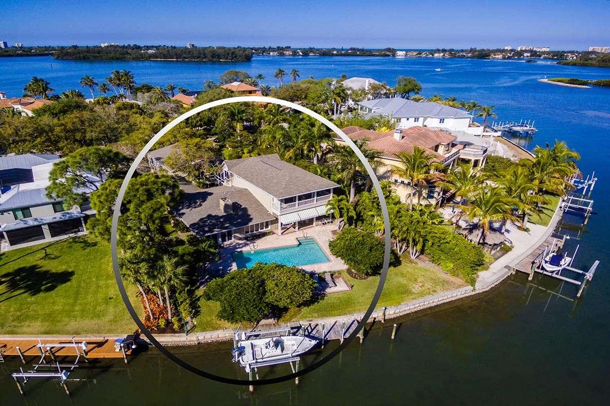 Single Family for Sale at 1145 N Lake Shore Dr Sarasota, Florida 34231 United States