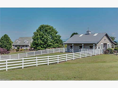 Single Family for Sale at 240 Watkins Road Campobello, South Carolina 29322 United States