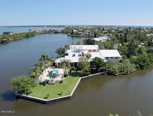 Single Family for Sale at 460 Ross Avenue Melbourne Beach, Florida 32951 United States