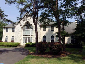 Featured Property in Marlton, NJ 08053