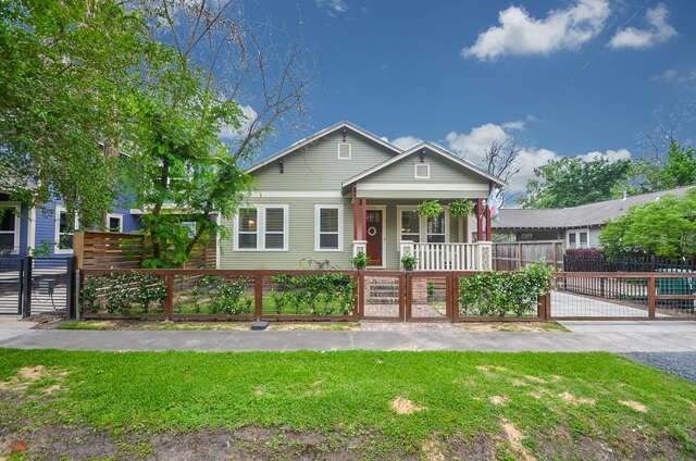 Single Family for Sale at 1125 Adele Street Houston, Texas 77009 United States