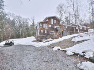 Featured Property in Chelsea, QC