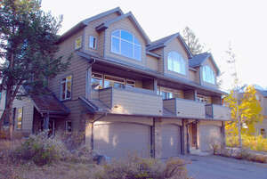 Featured Property in Canmore, AB T1W 1A6