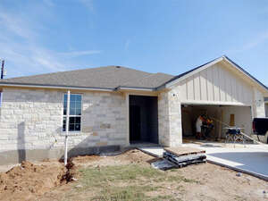 Featured Property in Cottonwood Shores, TX 78657