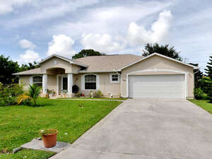 Featured Property in Pt St Lucie, FL 34953