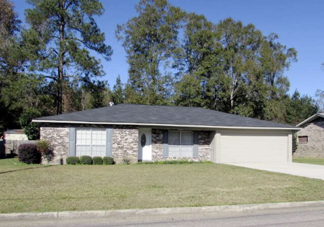 Featured Property in COLUMBIA, MS, 39429