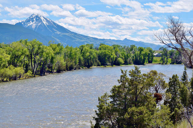 Single Family for Sale at 22 Hitching Post Lane Livingston, Montana 59047 United States