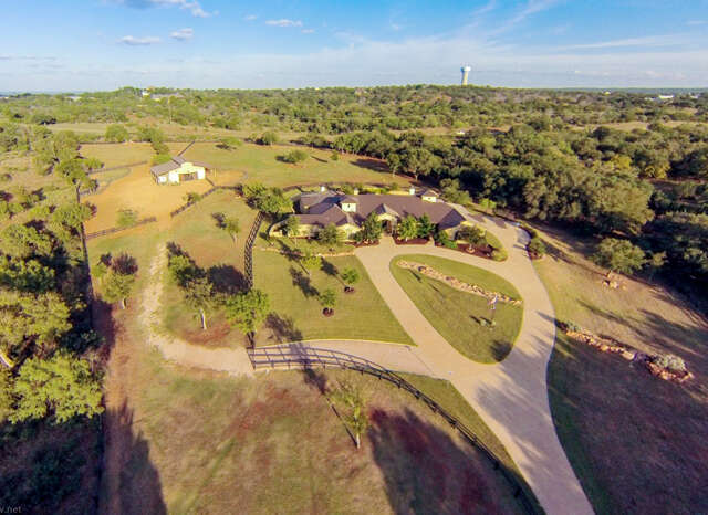 Single Family for Sale at 587 Overlook Pkwy Horseshoe Bay, Texas 78657 United States