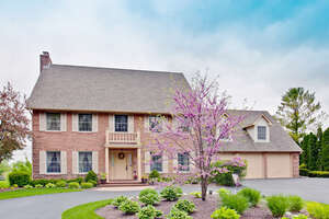 Featured Property in McHenry, IL 60051