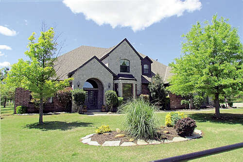 Single Family for Sale at 5601 S Czech Hall Road Mustang, Oklahoma 73064 United States