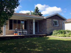 Featured Property in Gananoque, ON K7G 1N5