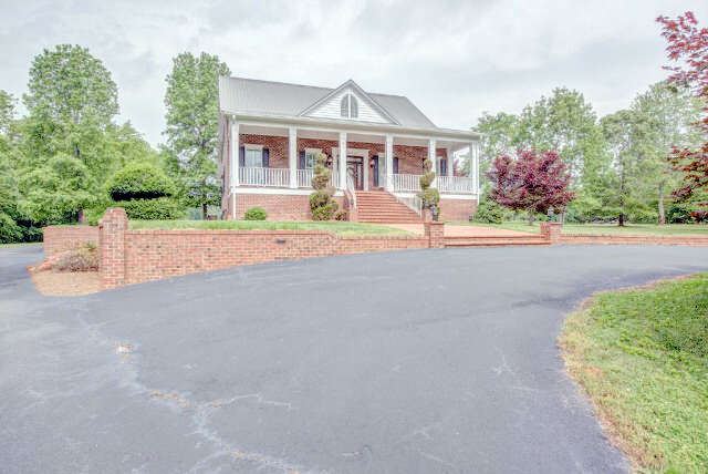 Single Family for Sale at 1024 Carter Road Shelby, North Carolina 28150 United States