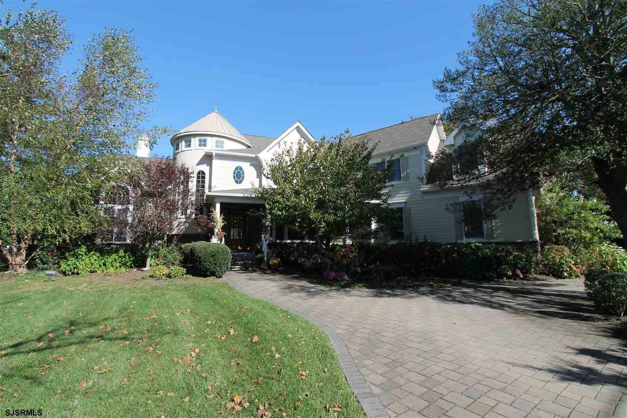 Single Family for Sale at 2 Country Club Dr Linwood, New Jersey 08221 United States