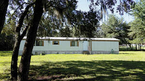 Featured Property in Bronson, FL 32621