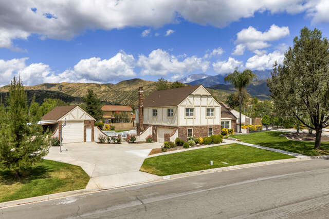Single Family for Sale at 36430 Woodbriar Street Yucaipa, California 92399 United States