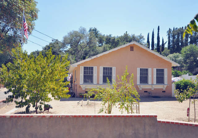 Single Family for Sale at 24027 Wildwood Canyon Rd Newhall, California 91321 United States