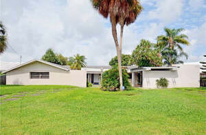 Featured Property in St Petersburg, FL 33707