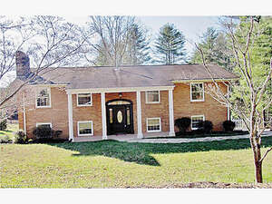 Featured Property in Hendersonville, NC 28739