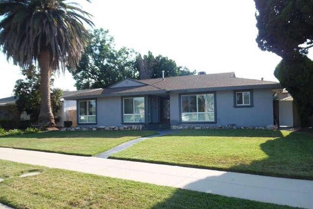 Single Family for Sale at 10553 Collett Ave Granada Hills, California 91344 United States