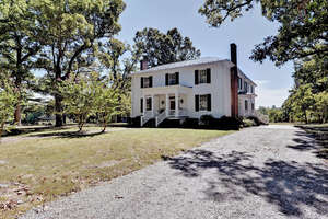 Featured Property in Drakes Branch, VA 23937