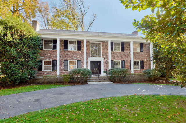 Single Family for Sale at 3711 Douglasdale Road Richmond, Virginia 23221 United States