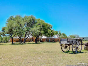 Featured Property in Comfort, TX 78013