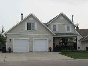 Featured Property in Olds, AB T4H 1W3