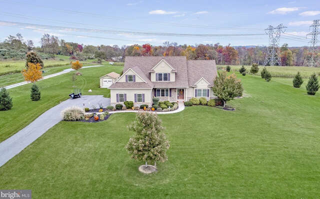 Single Family for Sale at 107 Monument Drive Elizabethtown, Pennsylvania 17022 United States