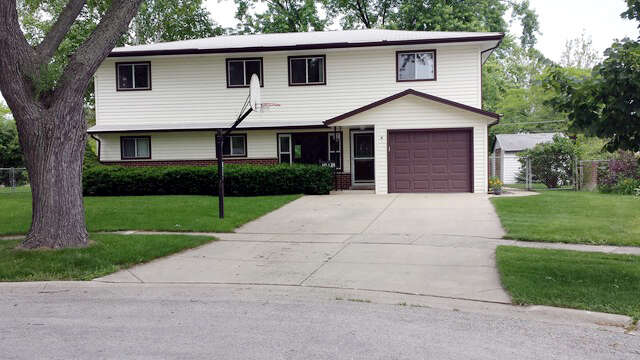 Home Listing at 5 Juniper Court, BUFFALO GROVE, IL