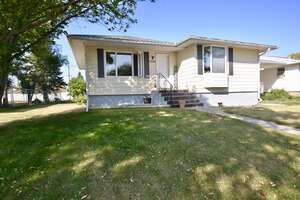 Featured Property in Ponoka, AB T4J 1K6