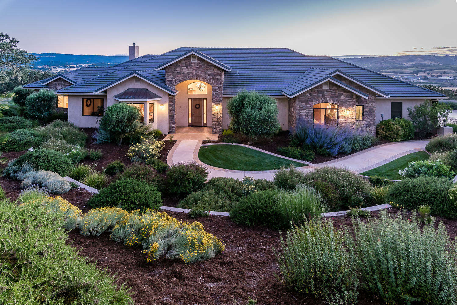 Single Family for Sale at 2225 Battering Rock Rd Templeton, California 93465 United States