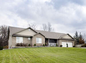 Featured Property in Osgoode, ON K0A 2W0