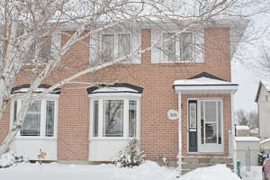 Featured Property in Kingston, ON K7M 8H7